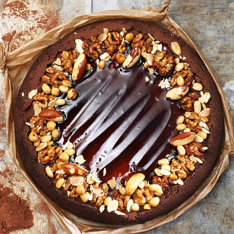 Coffee cheesecake with nuts