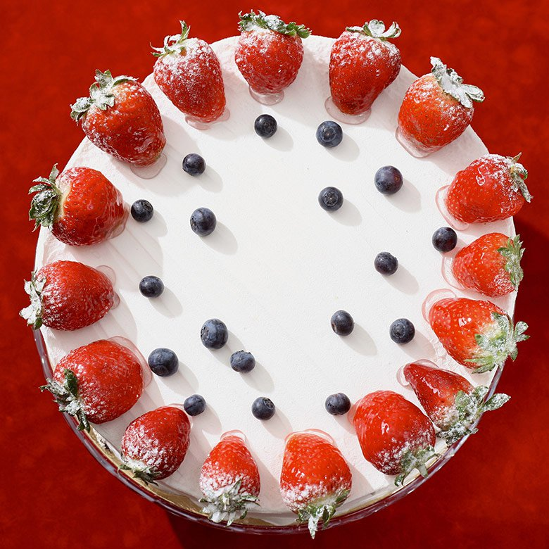 Strawberry & yoghurt cake