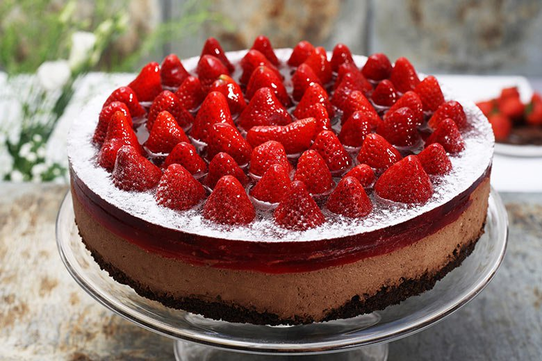 Chocolate cake with strawberries LIGHT