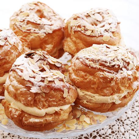 Caramel cream puff