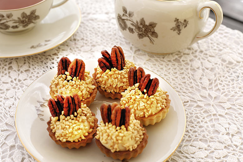 Nut cupcakes with salted caramel