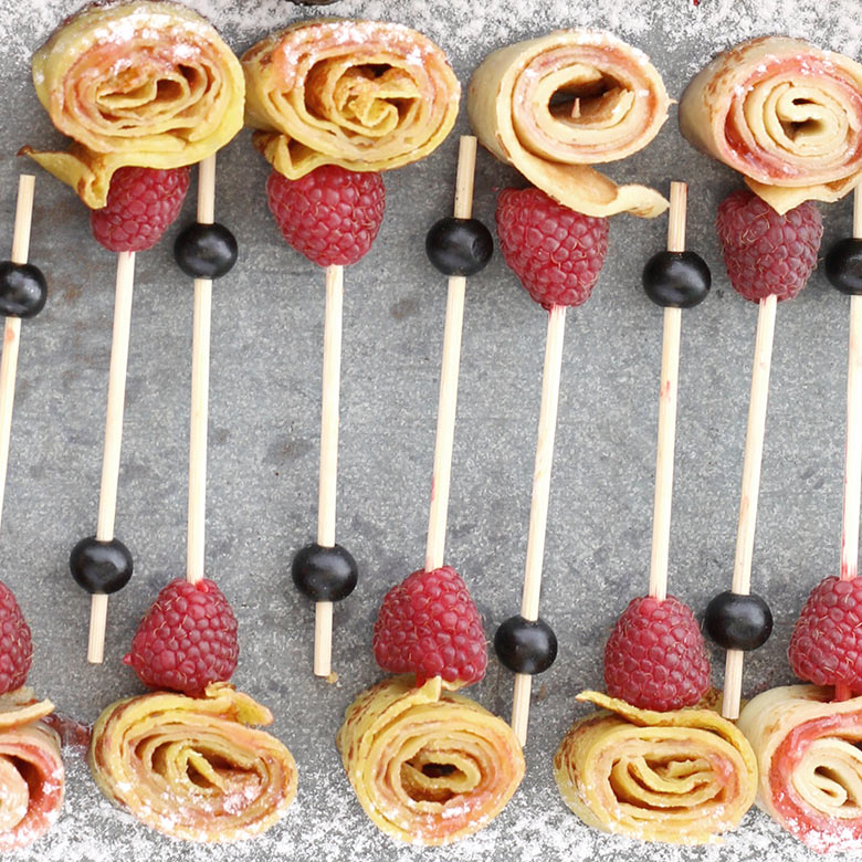 Crêpe roll – raspberry